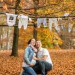 babybauchfotos-requisiten-herbstshooting-fotografin-schloss-ambras-innsbruck-tirol