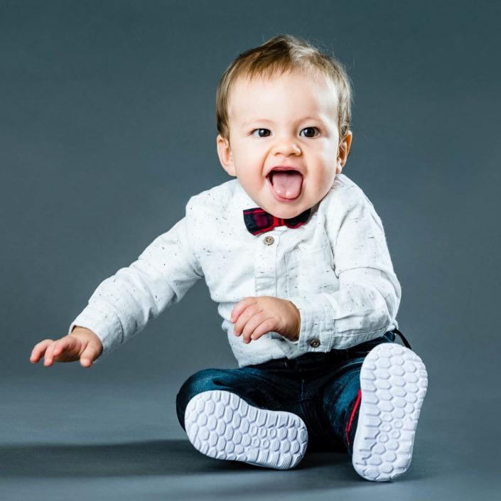 babyfotos-babylachen-babyfotografie-fotografin-innsbruck-tirol