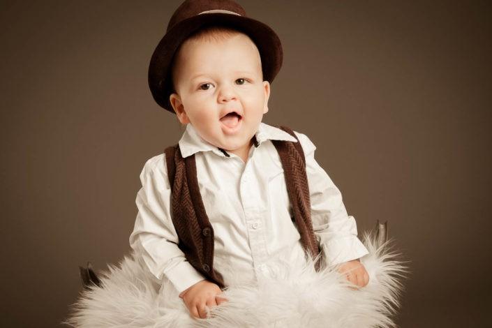 babyfotos-babylachen-kinderfotos-babyfotografie-fotografin-innsbruck-tirol