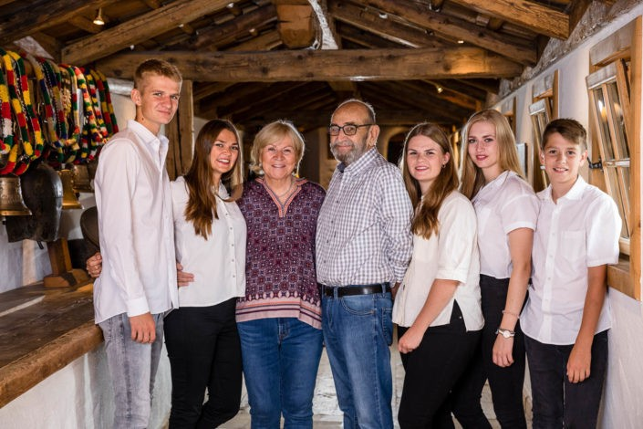 familienfotos-familienfotoshooting-fotografin-stanglwirt-kitzbühel-tirol